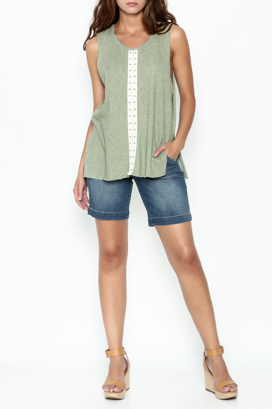 POL Eyelet Muscle Tee - Side Cropped Image