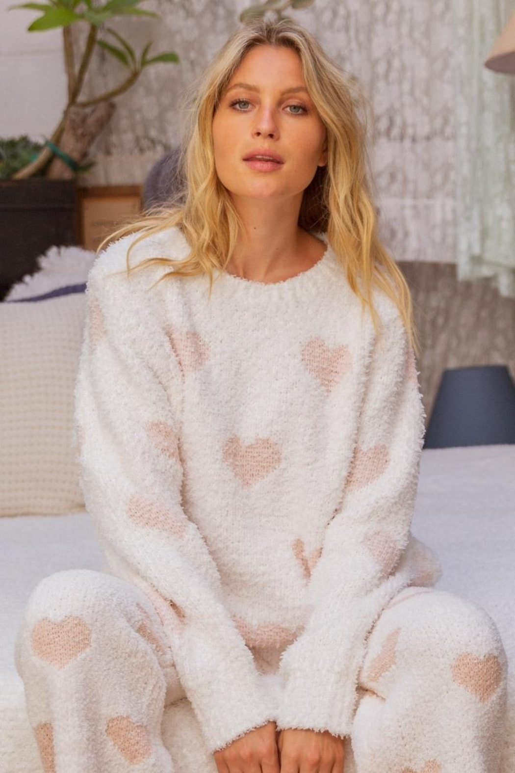 POL Berber White And Pink Heart Pullover - Main Image
