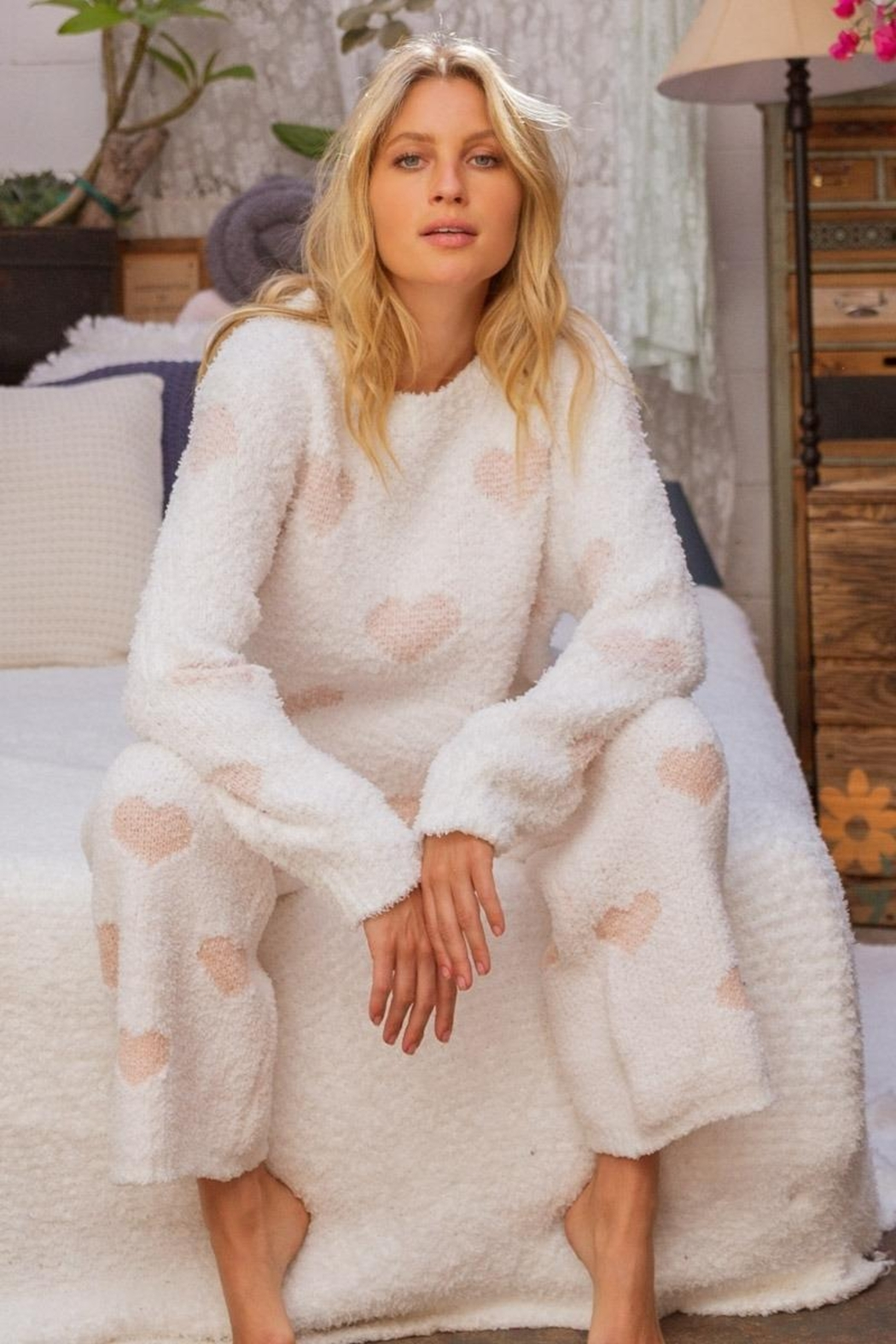 POL Berber White And Pink Heart Pullover - Front Full Image