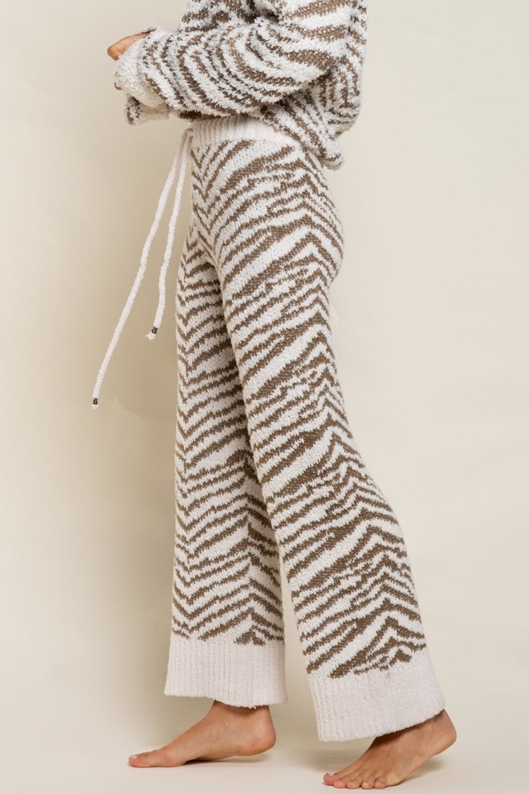 POL Zebra Berber Lounge Pants - Side Cropped Image