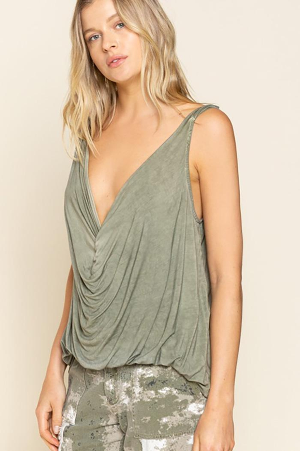 Pol clothing Plunging Twist Tank Top - Back Cropped Image