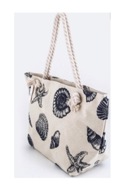 Polly & Esther Seashell Beach Bag - Front cropped