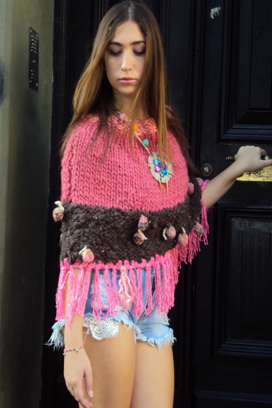 De Mil Amores Buenos Aires Poncho Amour - Front Full Image