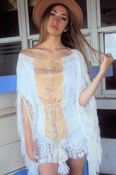 De Mil Amores Buenos Aires Poncho Luxury Sequins - Product List Image
