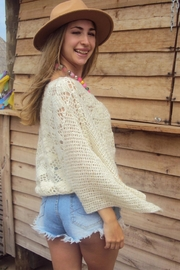 De Mil Amores Buenos Aires Poncho Macaron - Side cropped