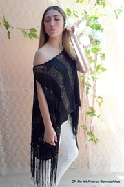 De Mil Amores Buenos Aires Poncho Silk Noire - Front full body