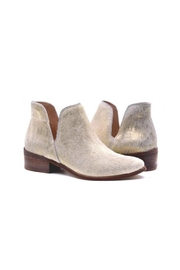 Kaanas Pony Hair Booties - Side cropped