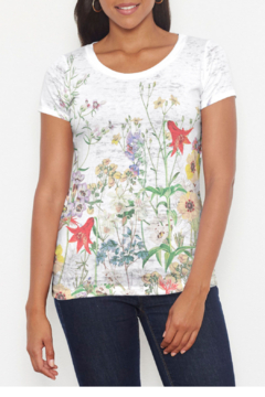 Whimsy Rose Prairie Signature Short Slv Scoop T - Product List Image