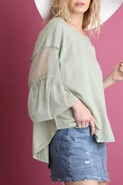 Umgee USA Pretty Mesh Puff - Front cropped