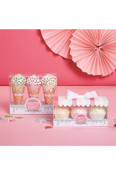 Cupcakes and Cartwheels Pretty Sweet Bath Fizzers - Product List Image