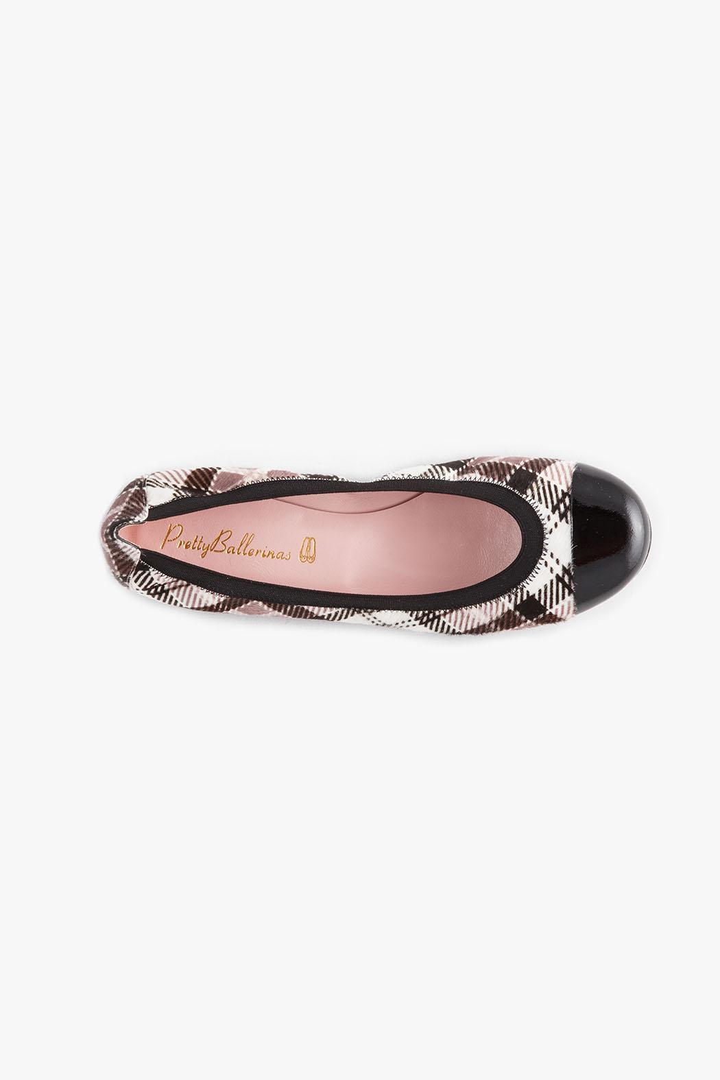 Pretty Ballerinas Shirley Loafers - Back Cropped Image