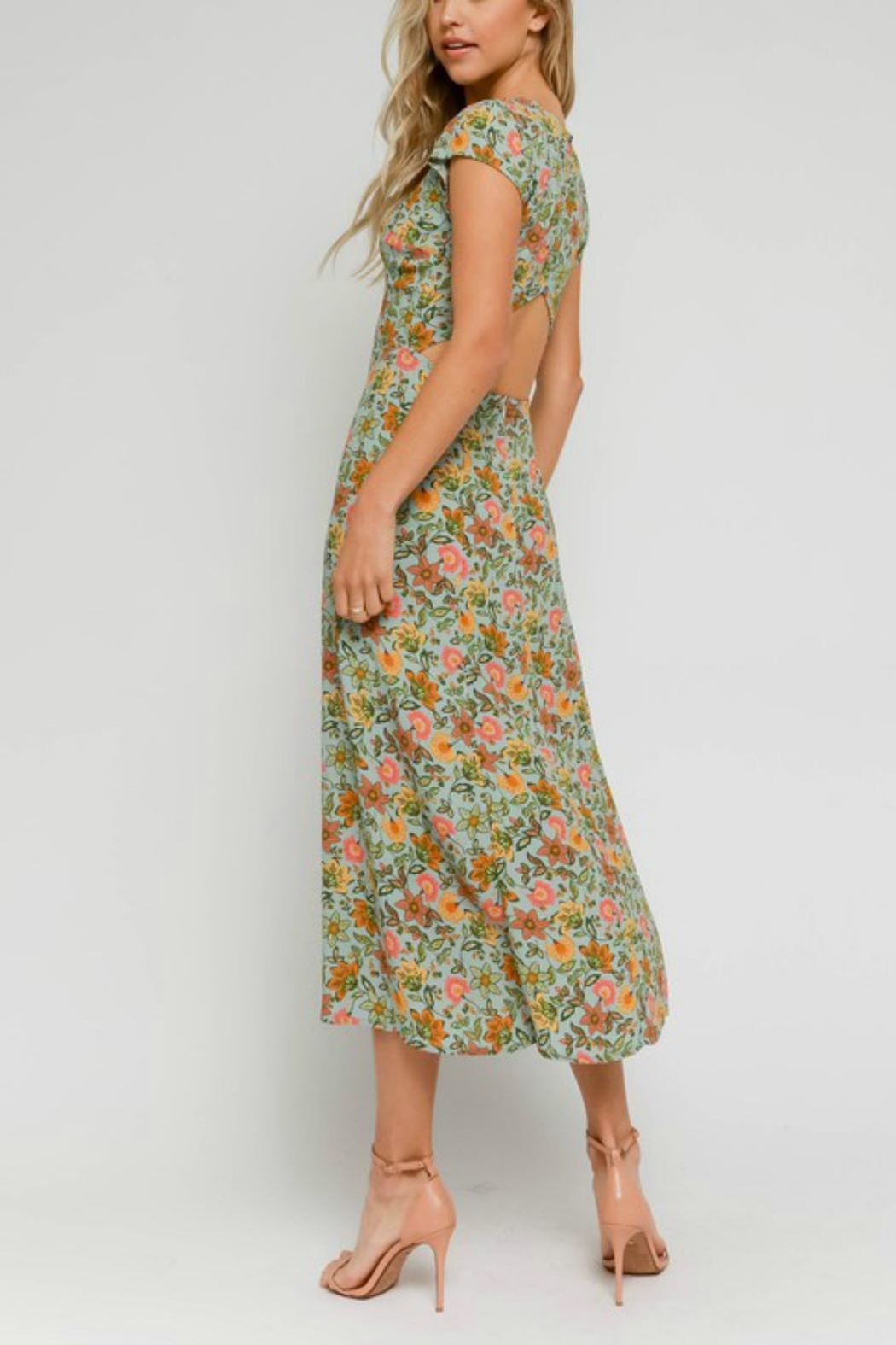 Pretty Little Things Floral Midi Dress - Side Cropped Image