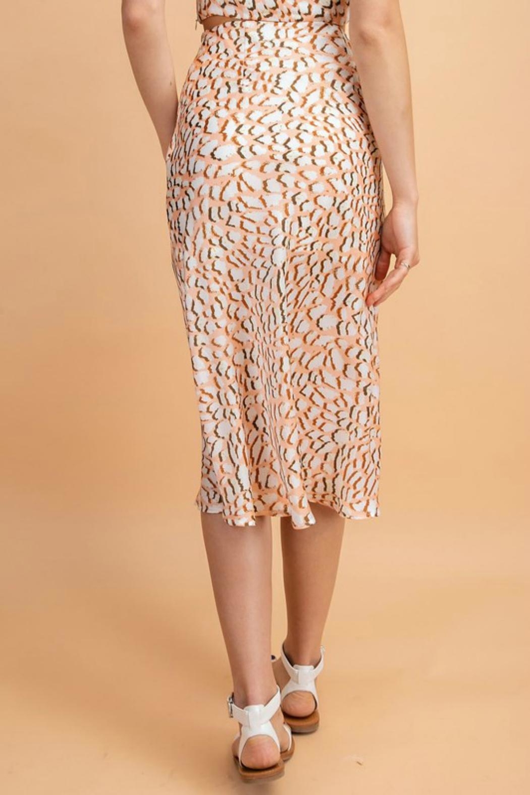 Pretty Little Things Peachy Leopard Skirt - Side Cropped Image
