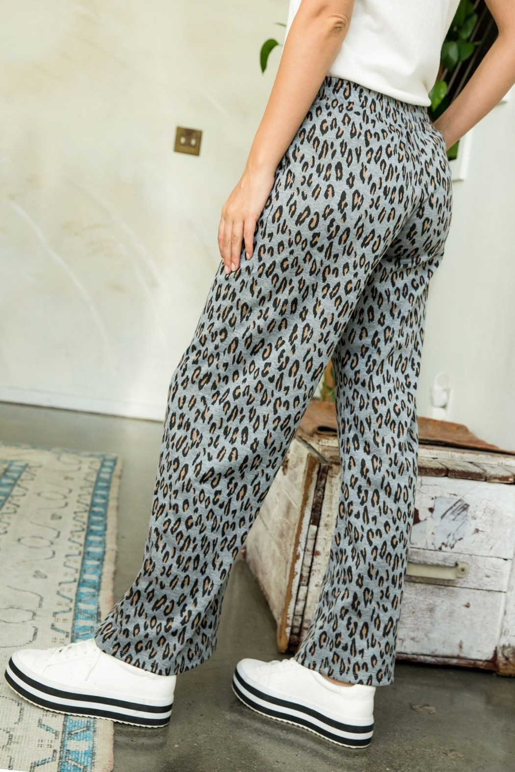 Thml Printed Straight Pants - Side Cropped Image