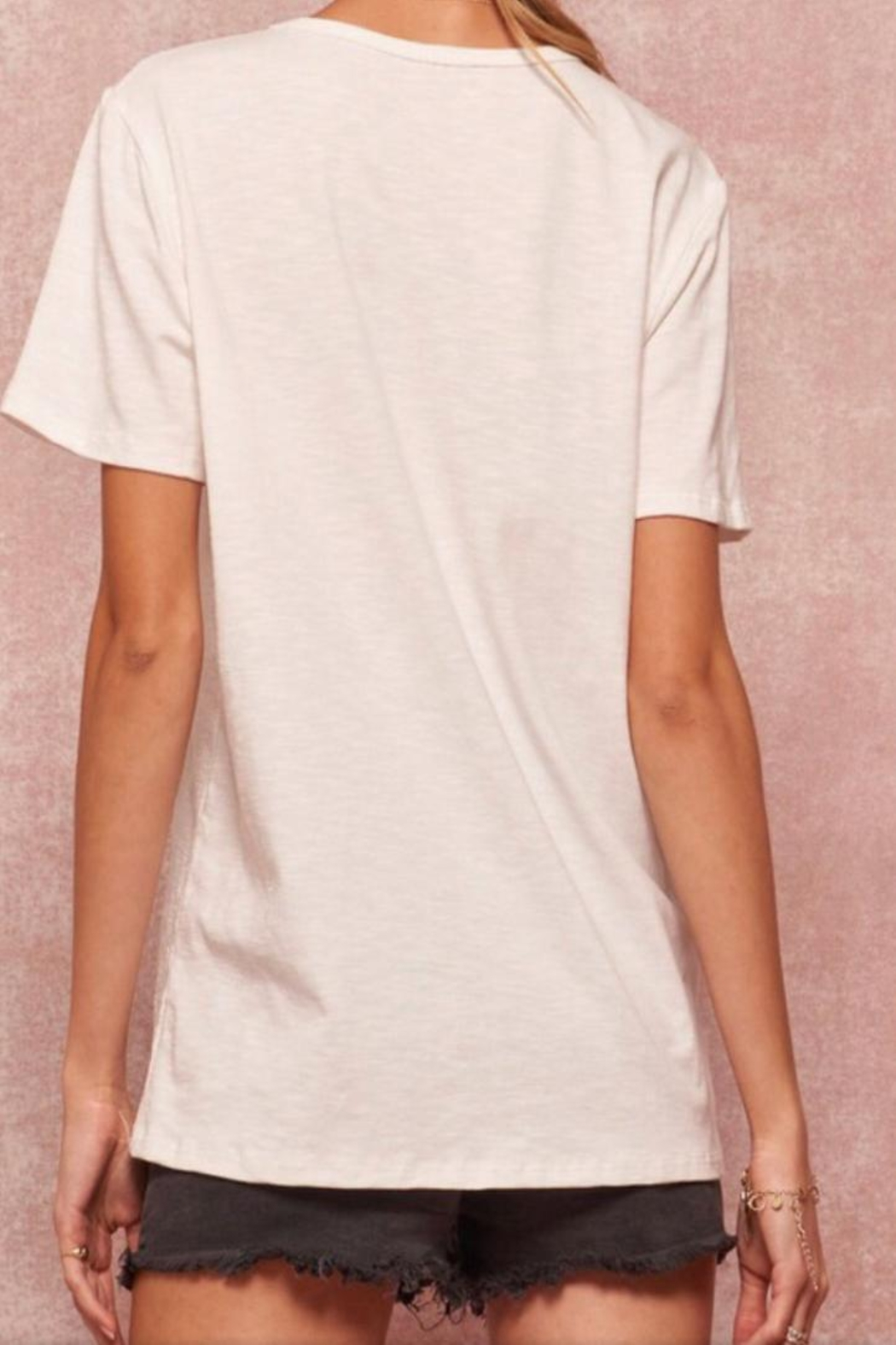 Promesa White Graphic Tee - Side Cropped Image
