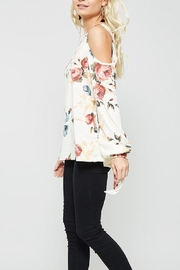 Promesa USA Cold Should Floral - Side cropped