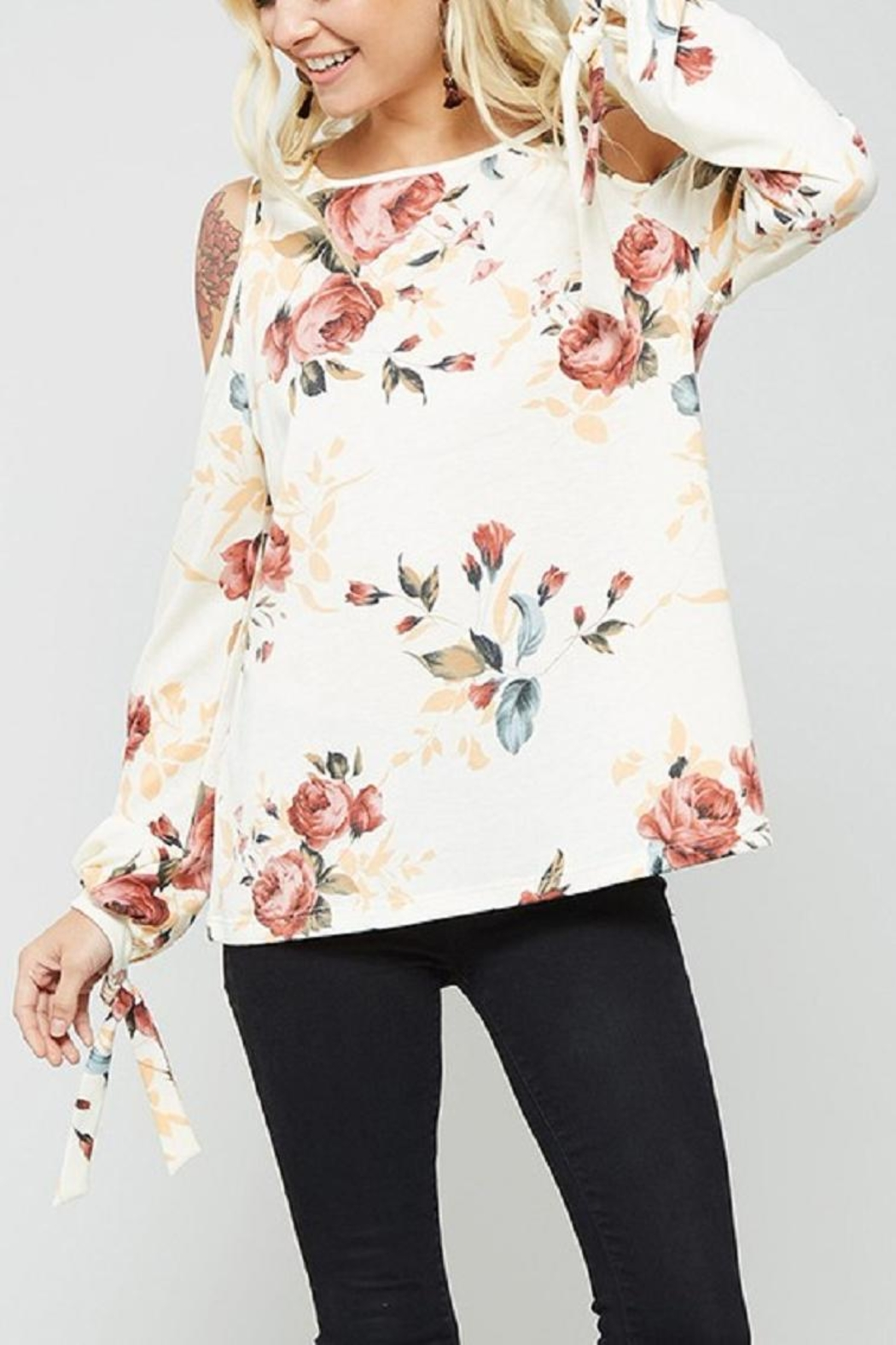 Promesa USA Cold Should Floral - Front Cropped Image