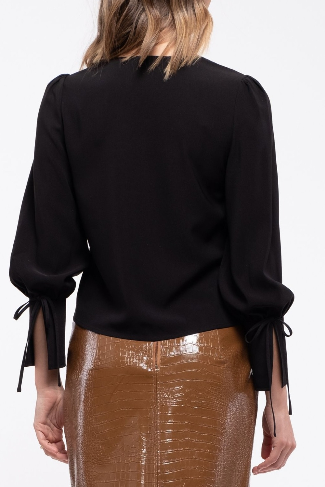 Moon River Puff Sleeve with Ribbon Blouse - Side Cropped Image