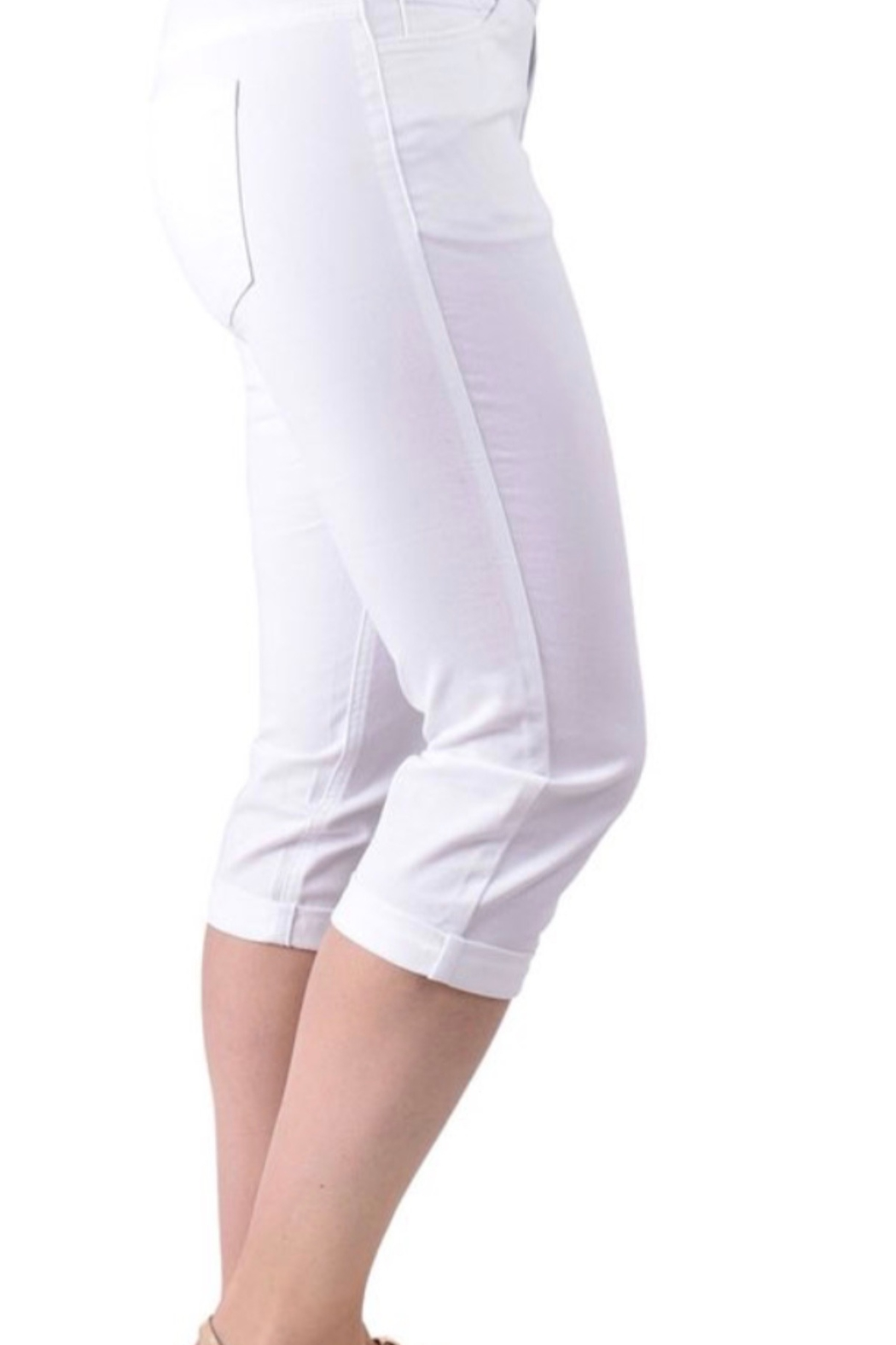 Ethyl Chattanooga Pull on white capris pant with roll up hem. - Front Full Image