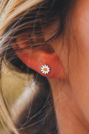 Pura Vida Daisy Stud Earrings - Product Mini Image