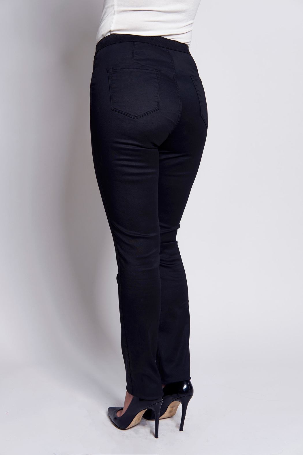 B&K moda Push-Up Shaping  Jeans - Front Full Image