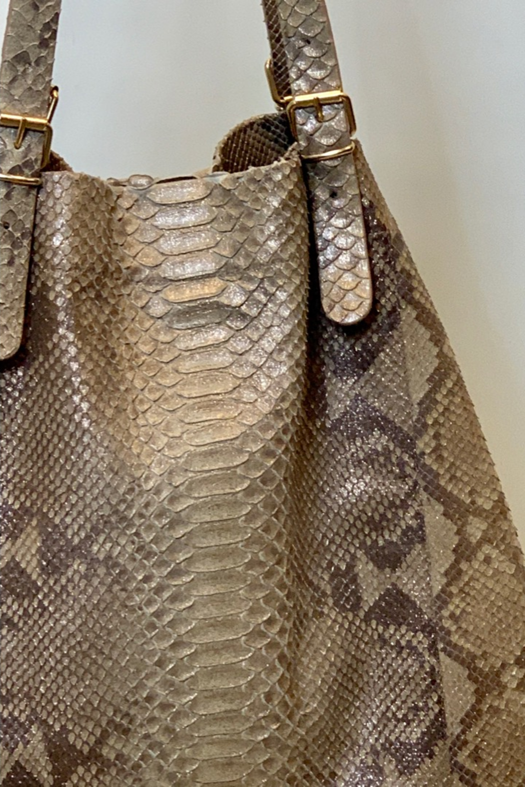 Dominique PYTHON HOBO - Side Cropped Image