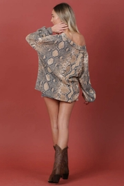 Blue Buttercup PYTHON TOP - Side cropped