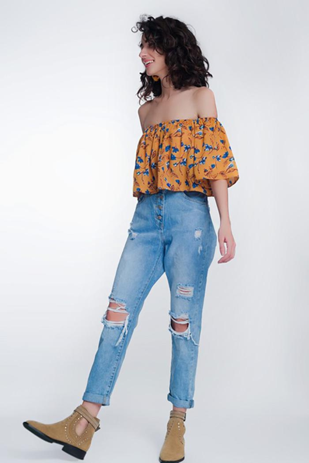 Q2 High Waist Mom Jeans With Button Fron - Back Cropped Image