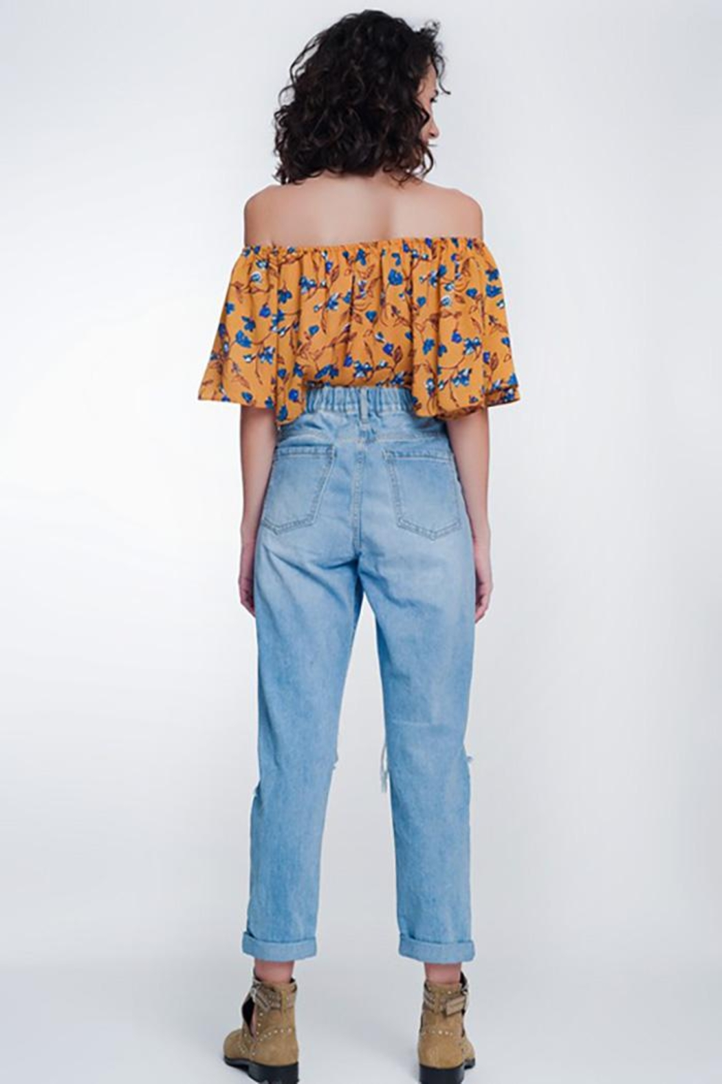 Q2 High Waist Mom Jeans With Button Fron - Side Cropped Image