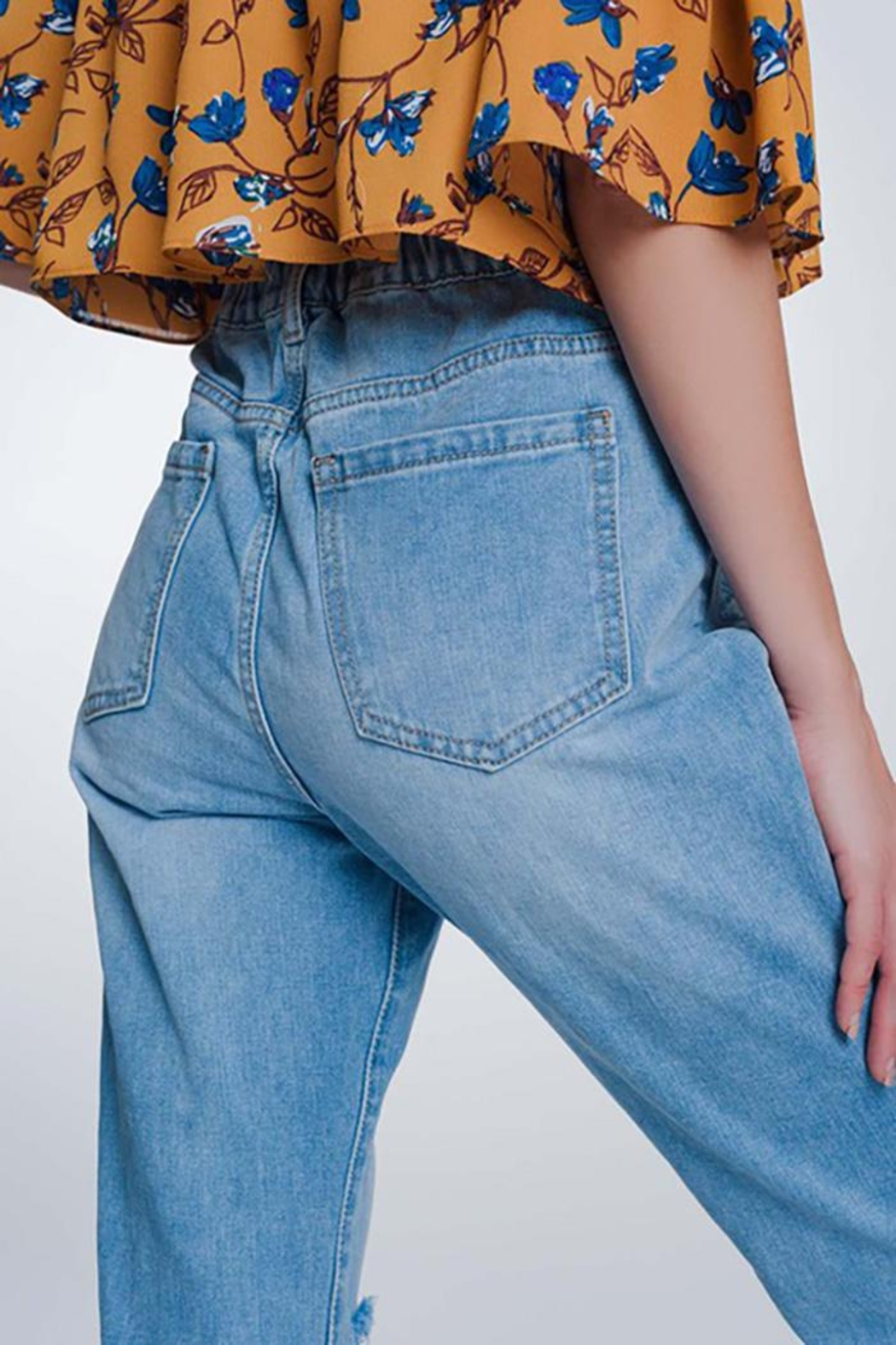 Q2 High Waist Mom Jeans With Button Front - Back Cropped Image