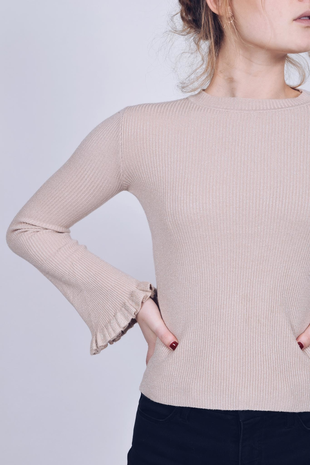 Q2 Ruffle Sleeve Sweater - Side Cropped Image