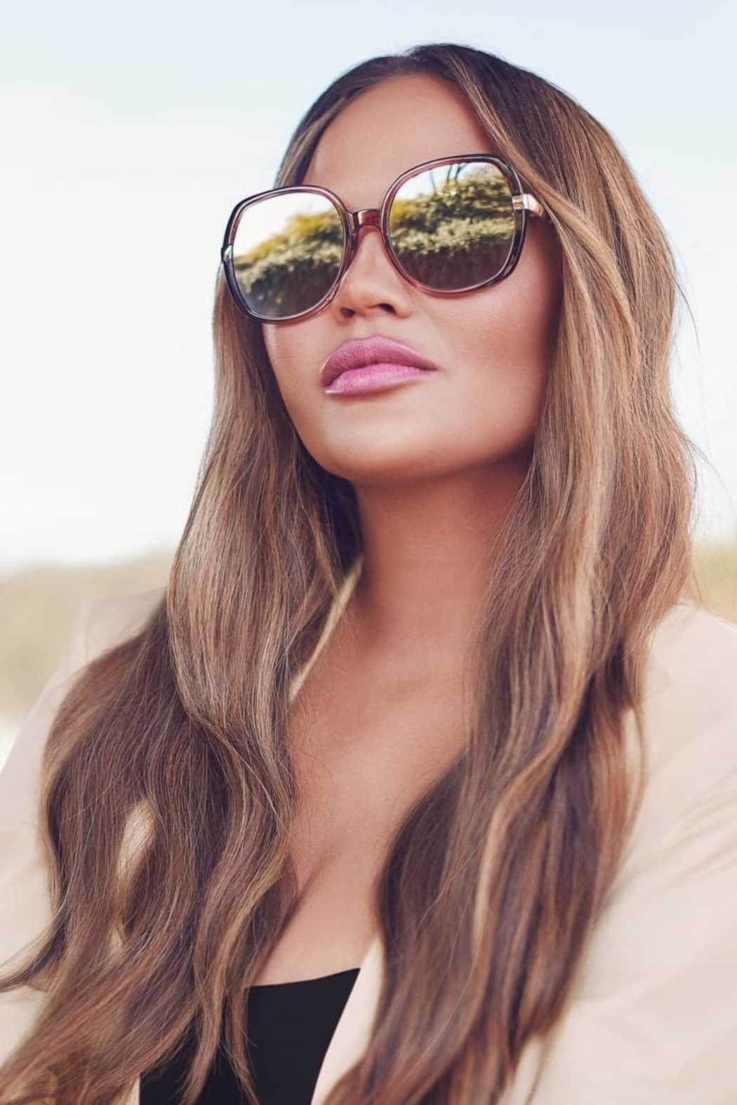 Quay Australia Gold Dust Sunnies - Side Cropped Image