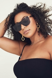 Quay Australia Incognito Sunglasses - Side cropped