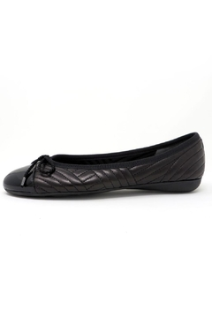 Paul Mayer Quilted Black Flat - Product List Image