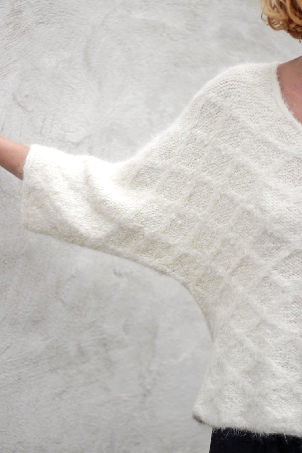 Wol Hide sweaters  Quilted V-Neck Pullover - Side Cropped Image