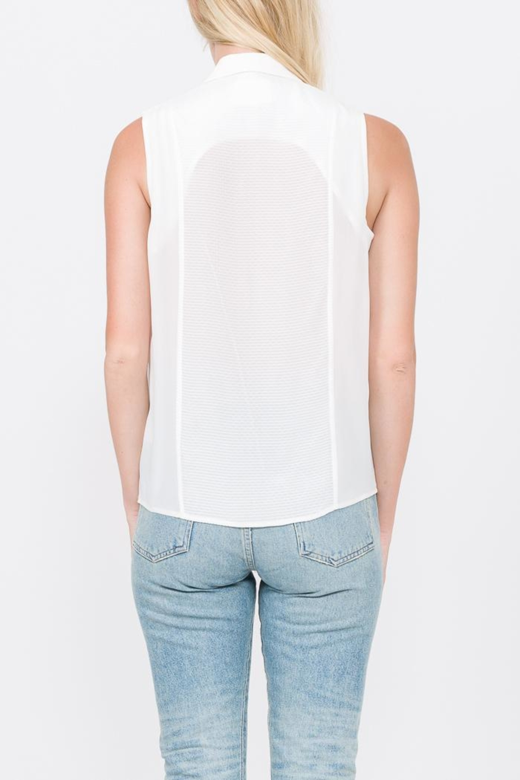 QUINN Chelsea Button Up Top - Side Cropped Image