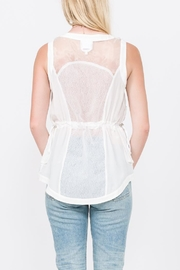 QUINN Dominique Vest - Side cropped
