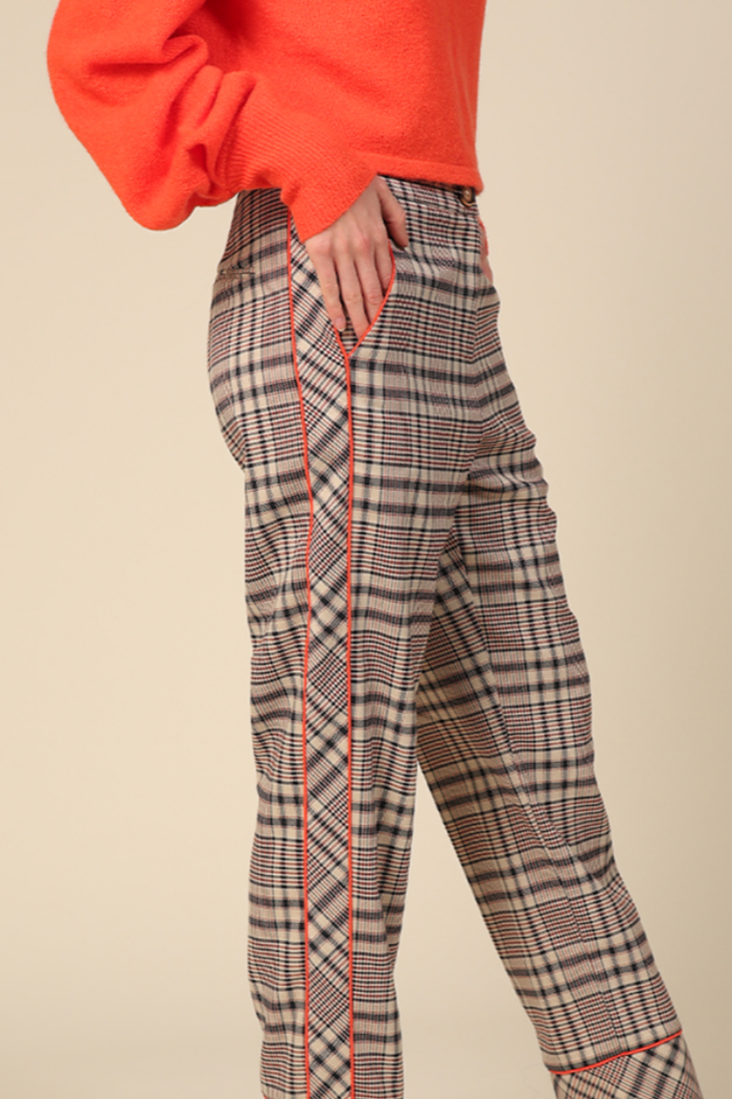 Line & Dot Quinn Side Contrast Pants - Side Cropped Image