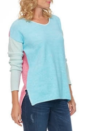 Cotton Country Quinn V-Neck - Front cropped