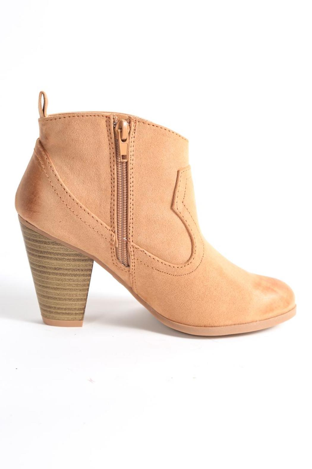 Qupid Nixon Ankle Bootie - Side Cropped Image