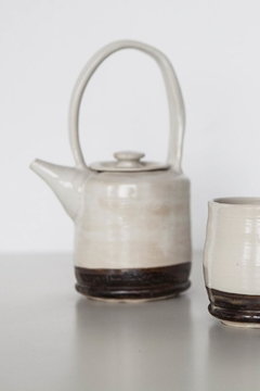 Ró   Handmade Teapot - Alternate List Image