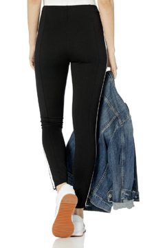 Lyssé Racer Leggings - Product List Image