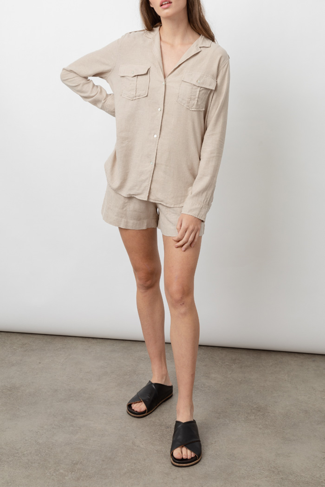 Rails Clothing RAILS LIGHTWEIGHT LINE BUTTON DOWN - Side Cropped Image