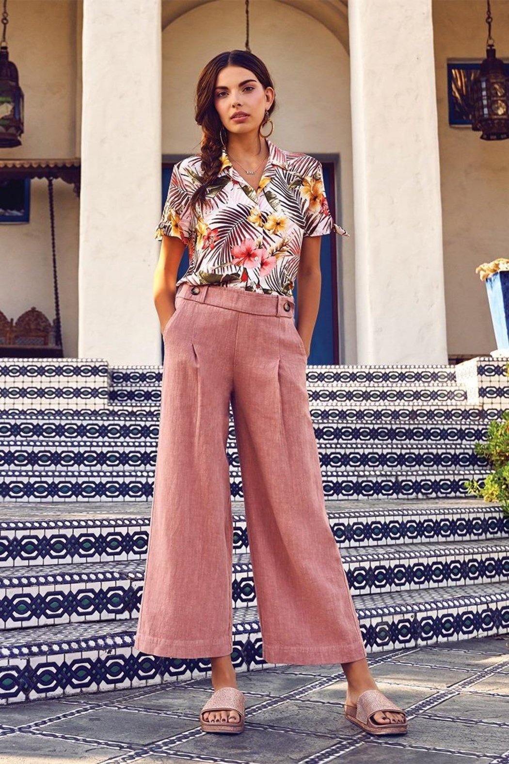Kut from the Kloth Raine Culotte Pant - Side Cropped Image