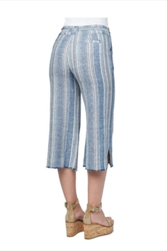 O'Neill Raw-Edge Striped Crop - Alternate List Image