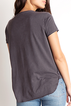 Bella Dahl RAW EDGE V NECK TEE - Alternate List Image