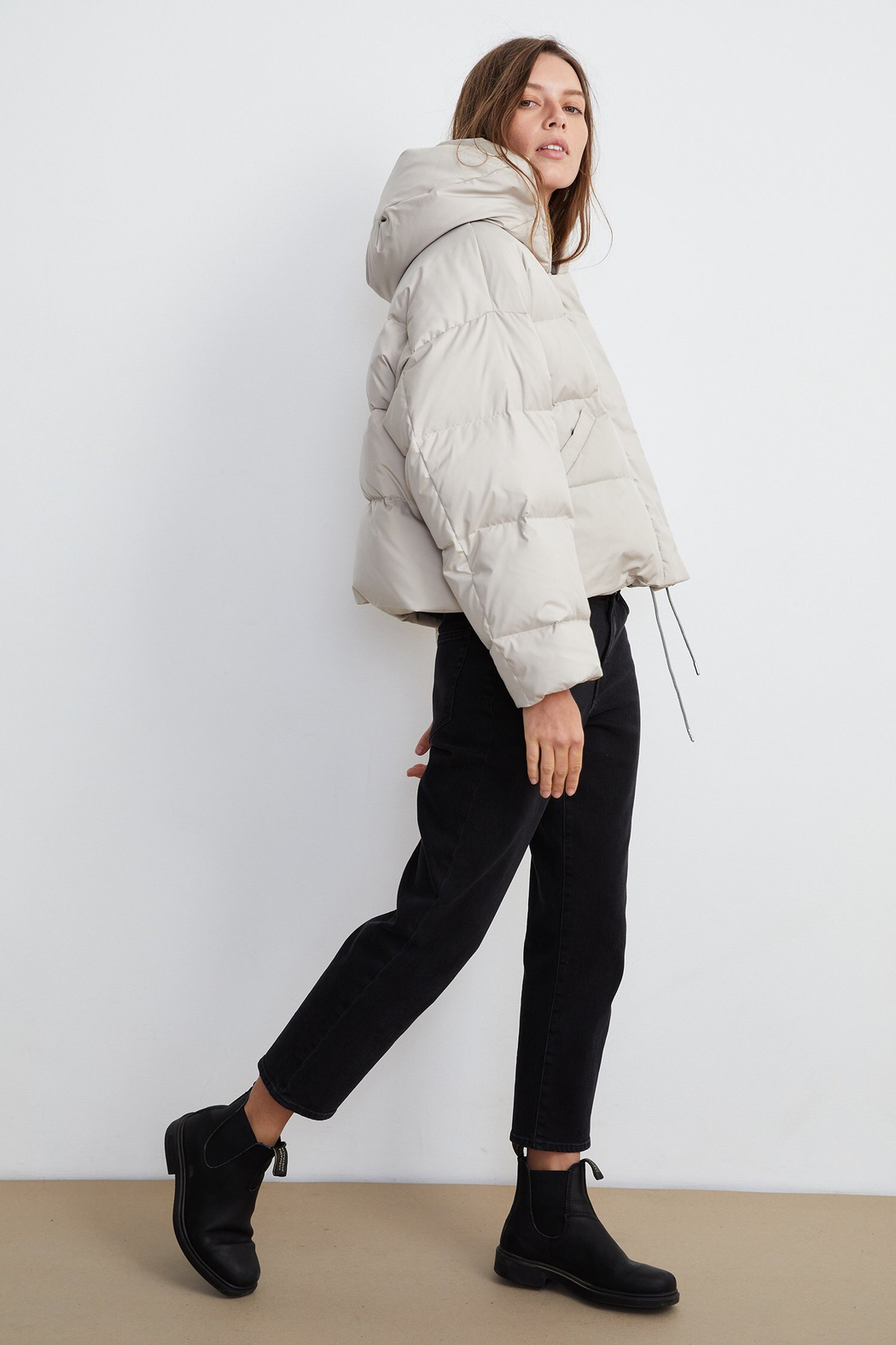 Velvet by Graham and Spencer Raylin Cropped Puffer Jacket - Side Cropped Image