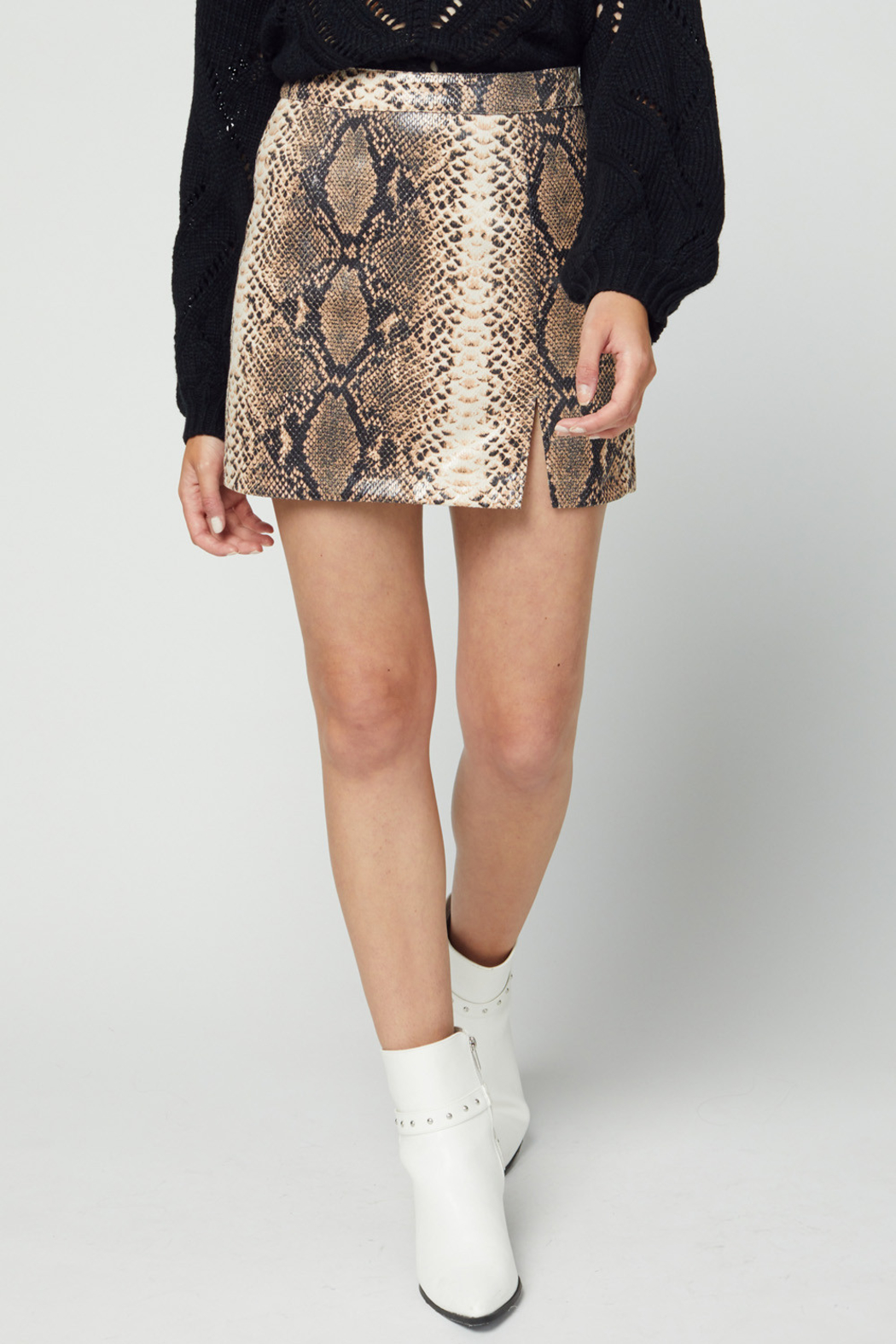 entro  Ready To Go Skirt - Front Cropped Image