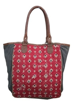 Chloe & Lex Red Quilt Tote - Alternate List Image