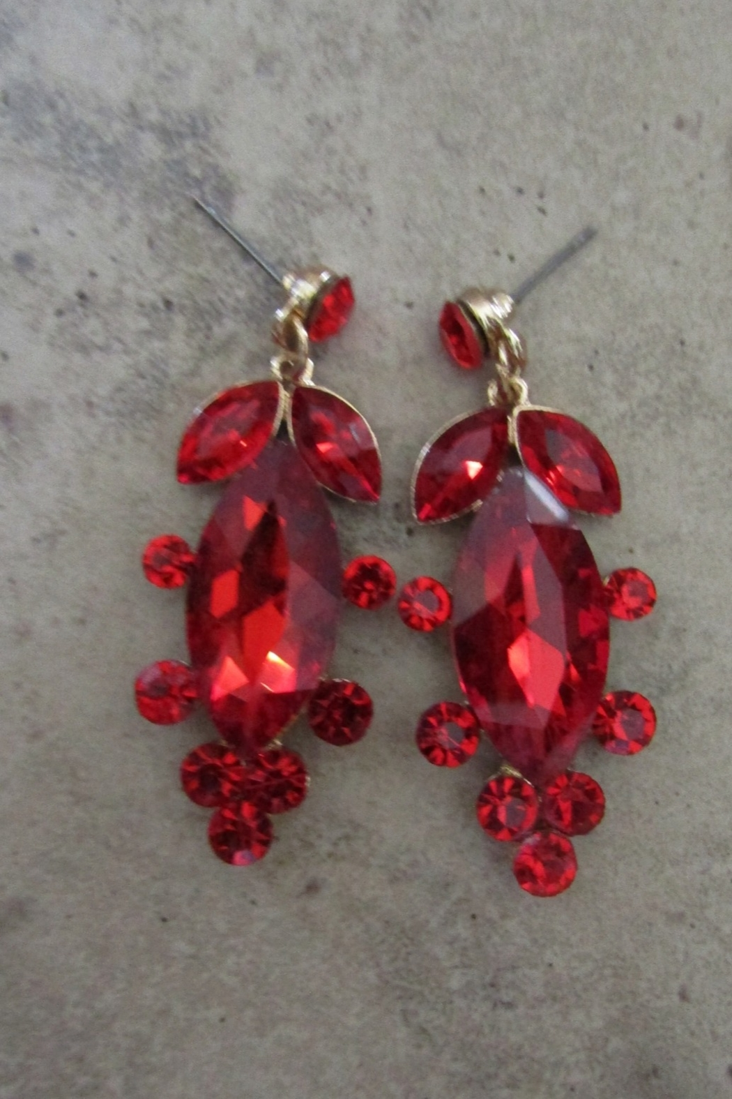 Sophia Crimson Classy In Goldtone Setting with alluring Drop Earrings - Side Cropped Image